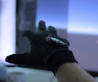 realidade-virtual-Gloveone